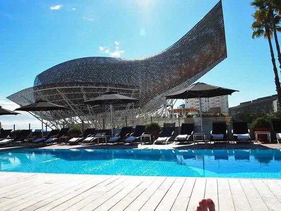 Hotel Arts Barcelona: Pool is fabulous