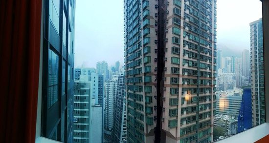 Ibis Hong Kong Central & Sheung Wan Hotel: view from the full-length window