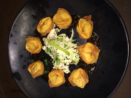 Double Black Noodle Bar: The crab rangoons are sooooo good!!!