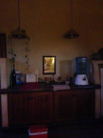 Troncones Point Hostel: Cocina de la habitación