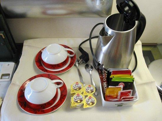 Liassidi Palace Hotel : 紅茶類の補充はなかった。