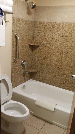 BEST WESTERN Territorial Inn & Suites : Sparkling clean