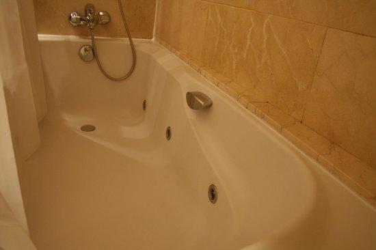 Catalonia Gran Via: baño