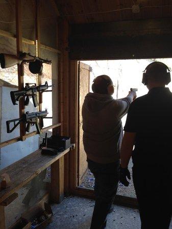 Grotgun Shooting Range : Pistol Shooting