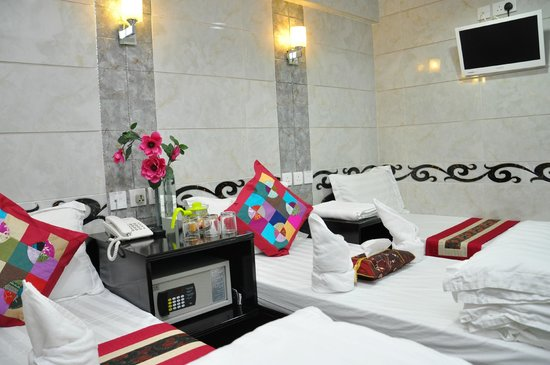 Pearl Premium Guest House - Premium Guest House Limited : Triple Beds Room