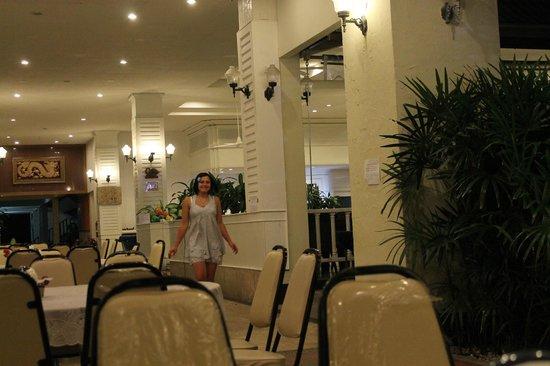 Splendid Resort at Jomtien : Ресторанчик в отеле, где подают завтраки