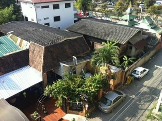 Funky Monkey Guesthouse & Tours: Aussicht vom Balkon
