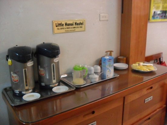 Little Hanoi Hostel: complimentary station!