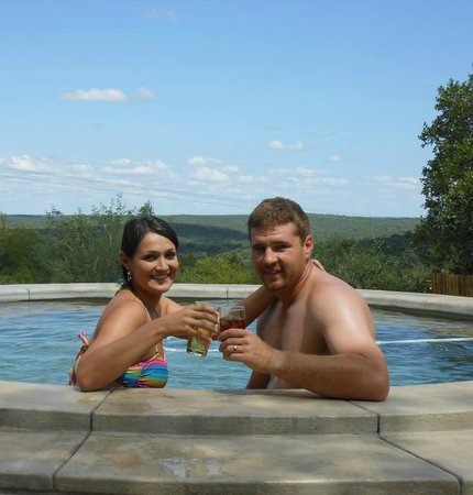 Isilimela Game Lodge: Cooling down on a warm summers day..