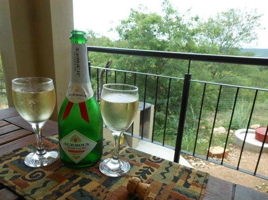 Isilimela Game Lodge: Champagne breakfast,