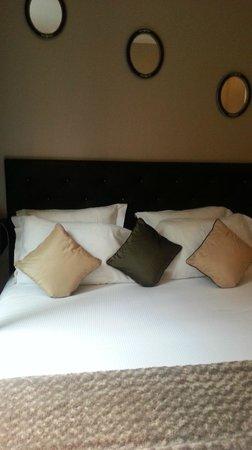 Hotel Claridge: bed
