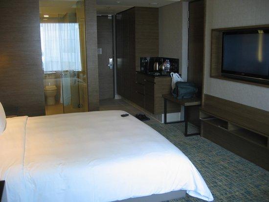 Renaissance Johor Bahru Hotel: Room 915 General view to entrance