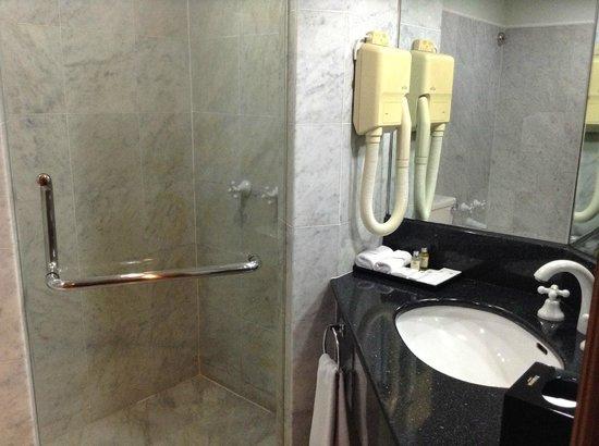 Ramana Hotel Saigon: シャワーブース。