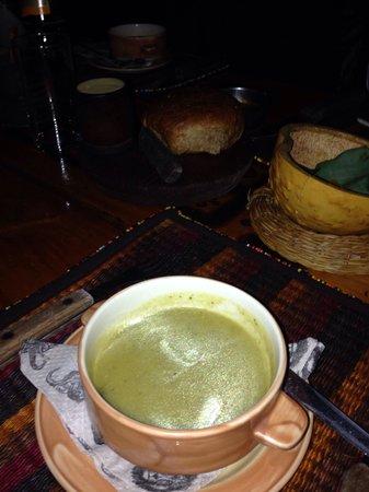 The Carnivore Restaurant: La zuppa di antipasto