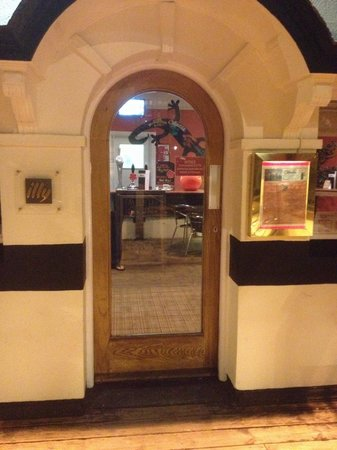 Caliente: The door may be closed but with early opening times (08:00AM) until late and food served from 12