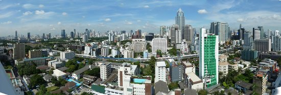 Omni Tower Sukhumvit Nana by Compass Hospitality: View of Bangkok from a typical room on the 25th floor