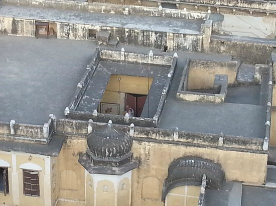 Narayan Niwas Castle: Castle rooftops