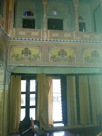 Narayan Niwas Castle: Painted rooms