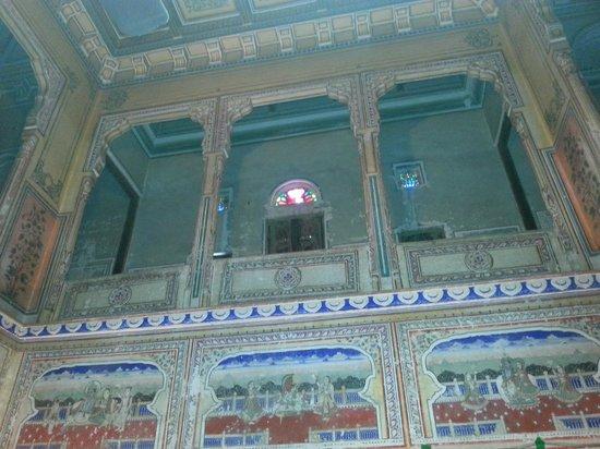 Narayan Niwas Castle: Bedroom balcony