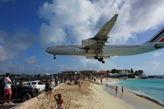 Maho, St Martin / St Maarten: Пляж Махо