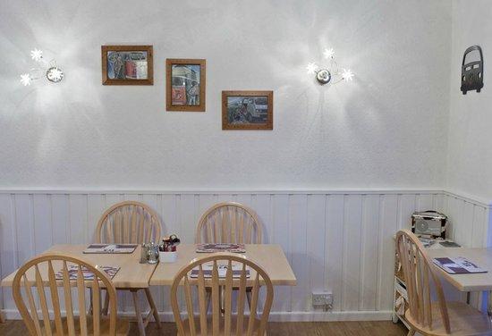 Westward Bed and Breakfast: Breakfast Room