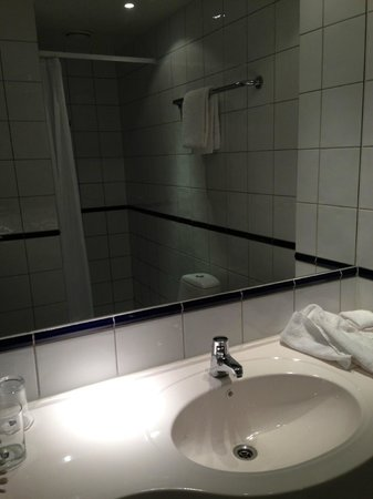Scandic Byparken : Nice and clean bathroom