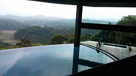 Infinity pool and jacuzzi - Resorts in madikeri with swimming pool ...