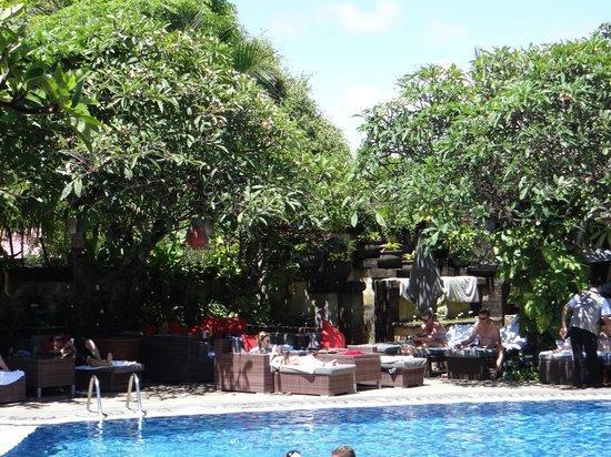 Kuta Seaview Boutique Resort & Spa: THE POOL