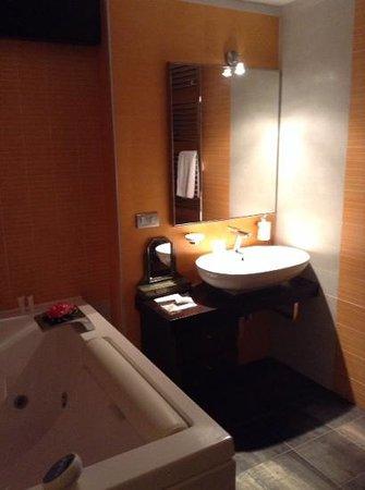 Pompei Resort: bagno suite con idromassaggio