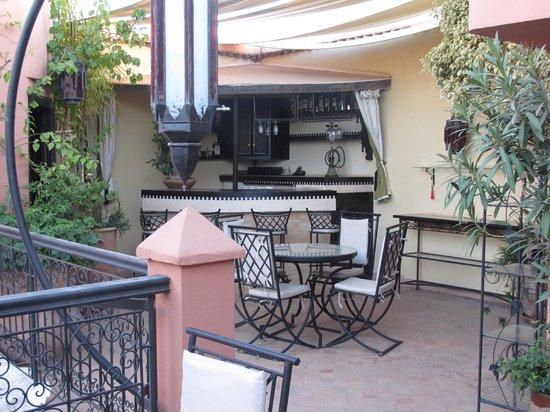 Riad Ain Marrakech : bar de la terrasse