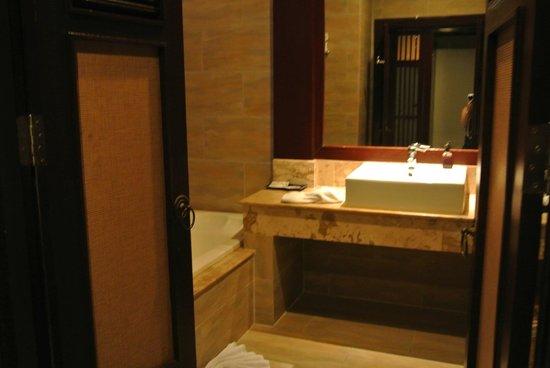 Novotel Samui Resort Chaweng Beach Kandaburi : Bathroom