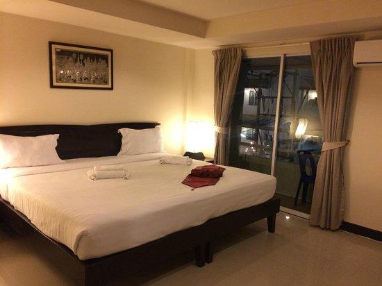 Silver Resortel: ห้องนอนกว้างขวางสะอาด เตียงใหญ่ นอนสบาย