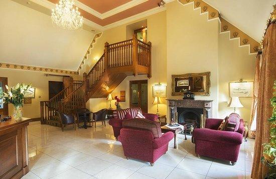 Oranmore Lodge Hotel: Reception Area