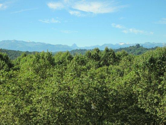 Boulevard des Pyrénées : View from the Boulevard des Pyrenees