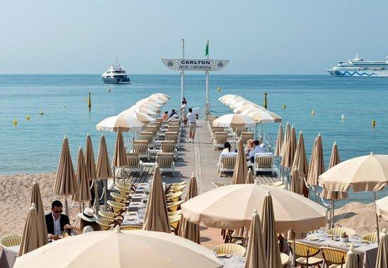 Carlton plage picture of carlton beach restaurant cannes tripadvisor - Decor plage ...