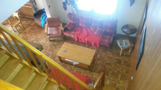 Chalet Maxine : Lounge, still messy from us