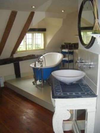 Farthingales: Hall House en-suite