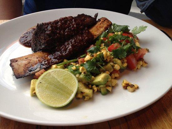 La Luna Bistro: Texan rib with corn salsa