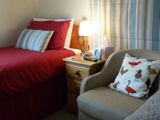 Ashdene House: Room 1, twin beds