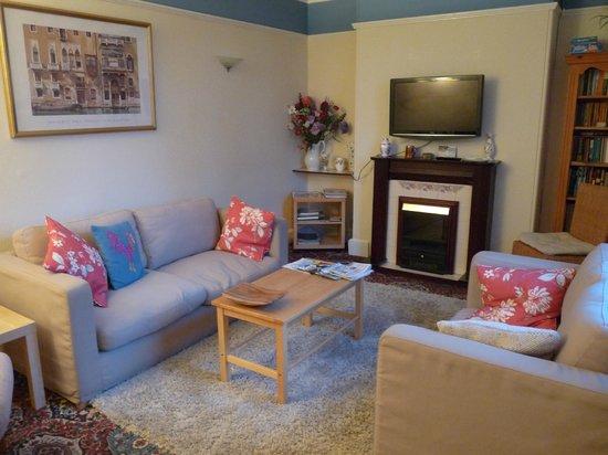Ashdene House: Guest Lounge