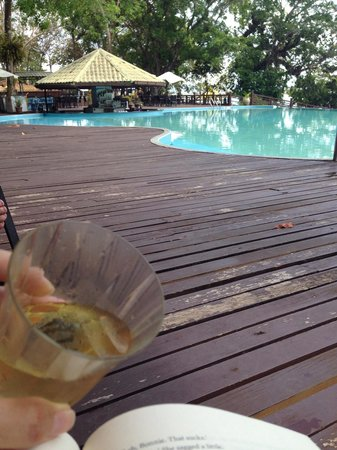 Century Langkawi Beach Resort : Time for a swim, drink and relax!