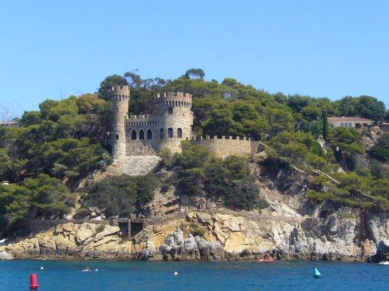 Hotel Caprici: Widoki na wybrzeże Costa Brava podczas rejsu