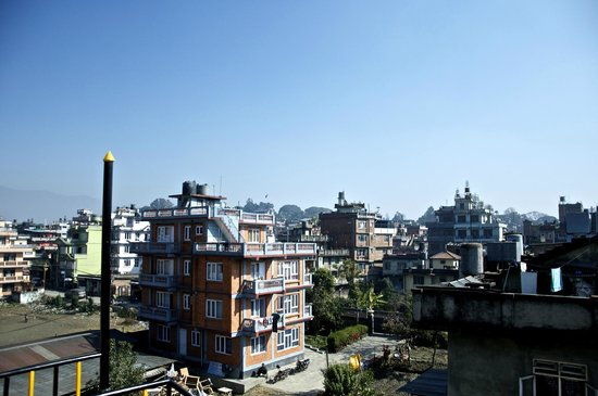 Blue Mountain Homestay: View from the roof top.