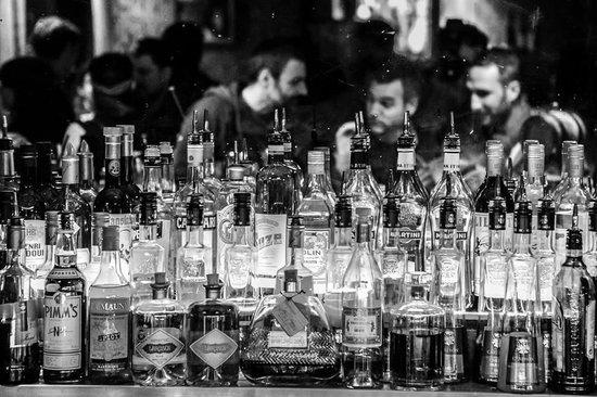 Le Comptoir Cocktail Bar: Need a drink?