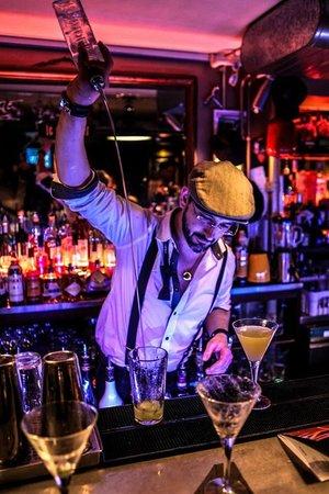 Le Comptoir Cocktail Bar: Bertrand mixing up a storm!