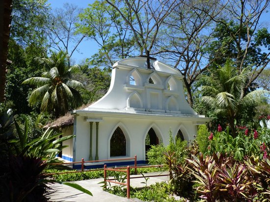 Hotel Villa Lapas: The church in the grounds