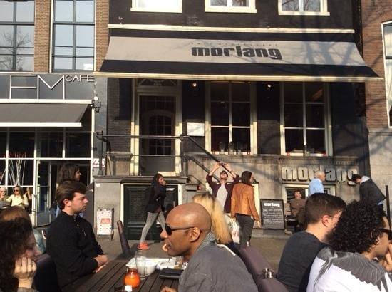 Restaurant Morlang : heerlijk genieten van de zon en drukte