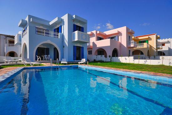 12 Islands Villas: Villas with private pools