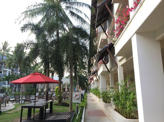 Swissotel Resort Phuket Kamala Beach : Path