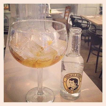 Maison Manesse : home infused gin - with great tonics